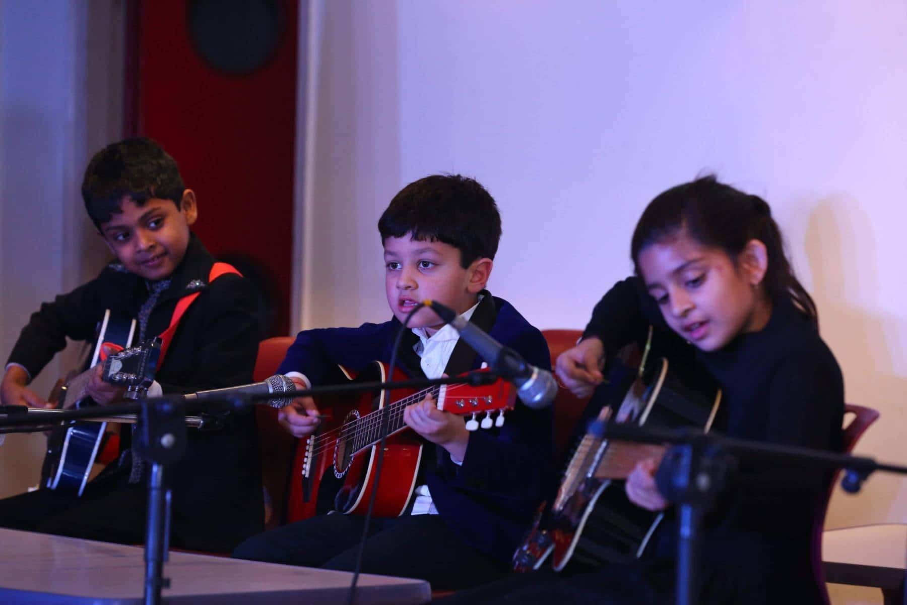 Learn to Play Guitar,Keyboard,Casio,Piano,Singing, Music,Indian and Western in Delhi Vasant Kunj,Vasant Vihar and Gurgaon South city 1 Sector 41 and South City 2 Sohna Road Sector 49.